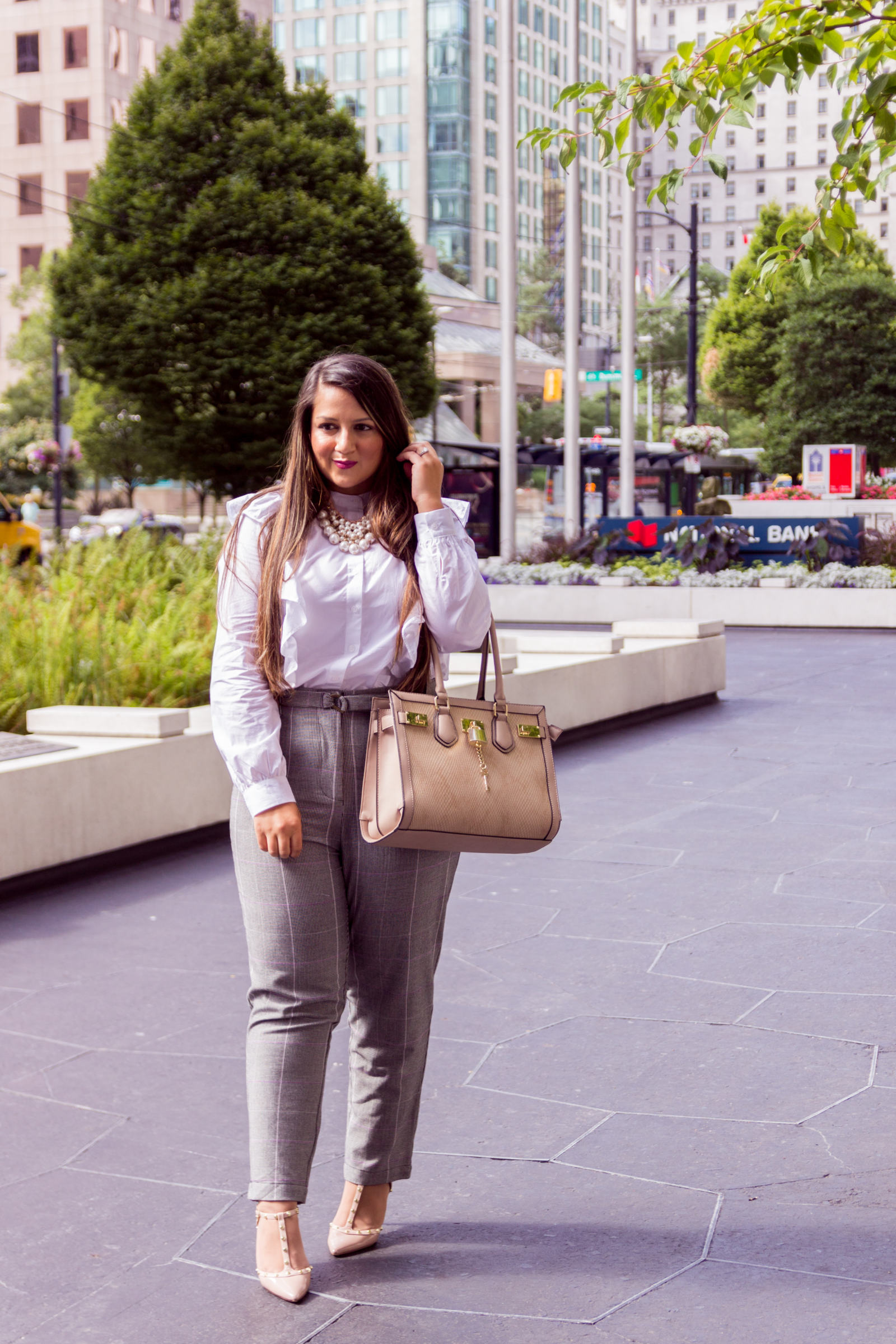 Chic Office Looks: How to survive summer in the office