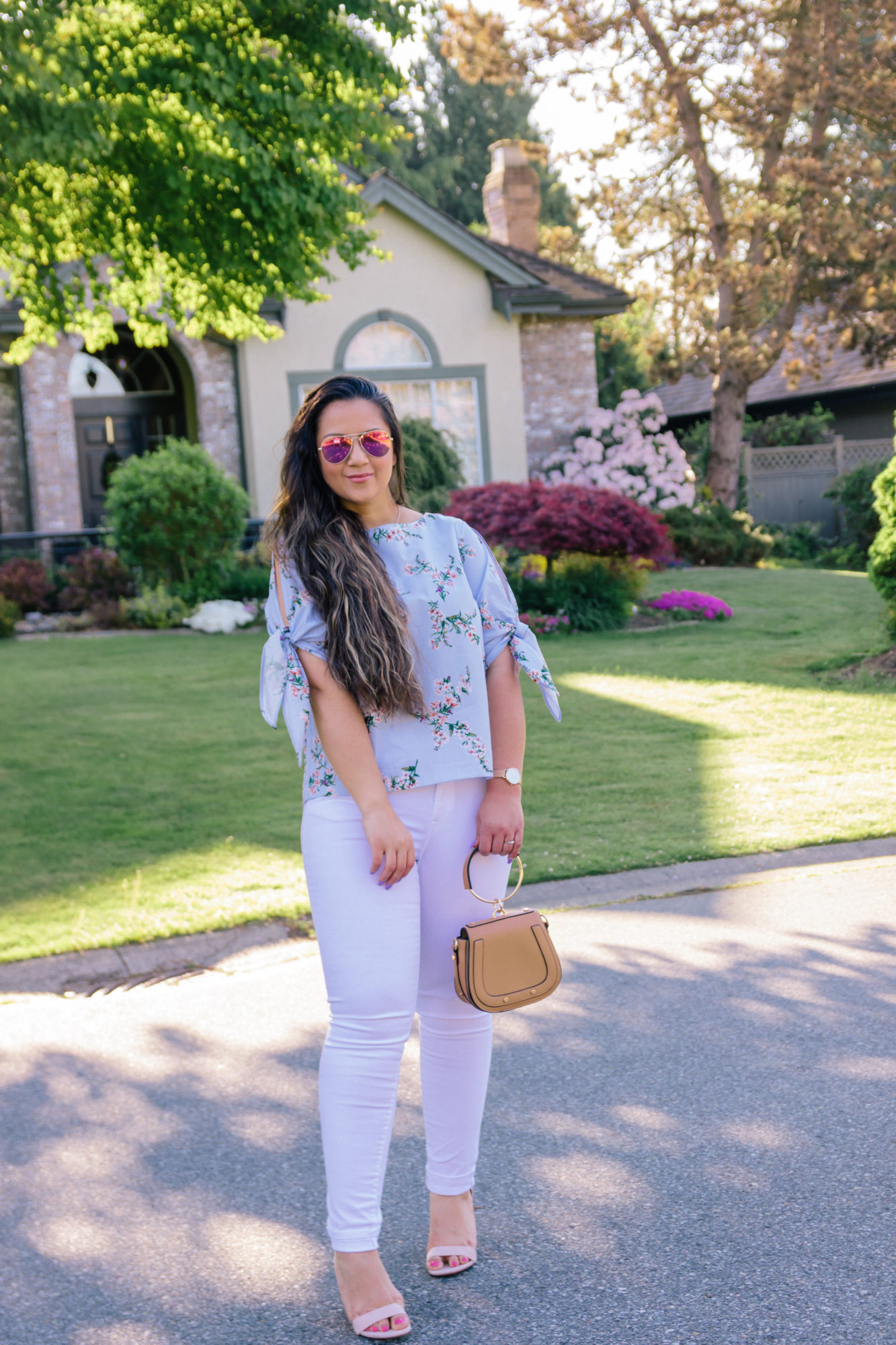 Floral tie sleeve blouse & 5 post workout snacks